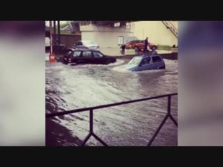 «Ока, которая смогла» — на Кубани аплодировали машине, победившей стихию