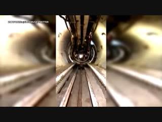 Маск показал скоростной туннель под Лос-Анджелесом