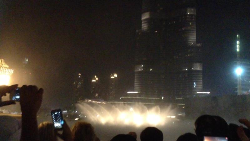 Шоу фонтанов в Дубай » Freewka.com - Смотреть онлайн в хорощем качестве
