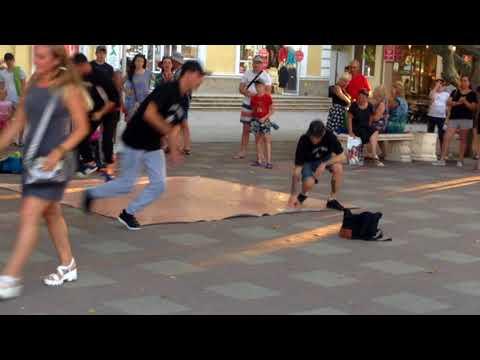 Уличные музыканты. Играй или умри.