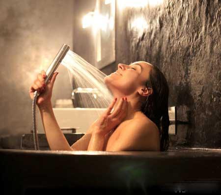 В спа-салонах отеля есть более современные и роскошные душевые.