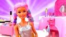 Видео про куклы. Барби собирается на вечеринку к Кену в Салоне Красоты!