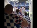 Футболисты Челси выходят на разминку перед игрой с Арсеналом   Pride of London