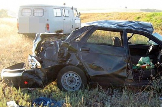 В Зеленчукском районе перевернулся автомобиль с водителем из Кисловодска