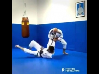Величайший мастер бразильского джиу-джитсу - Грэйси обучает самообороне ✨
