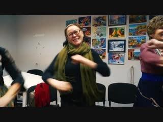 Петербургские бабули танцуют под Skibidi
