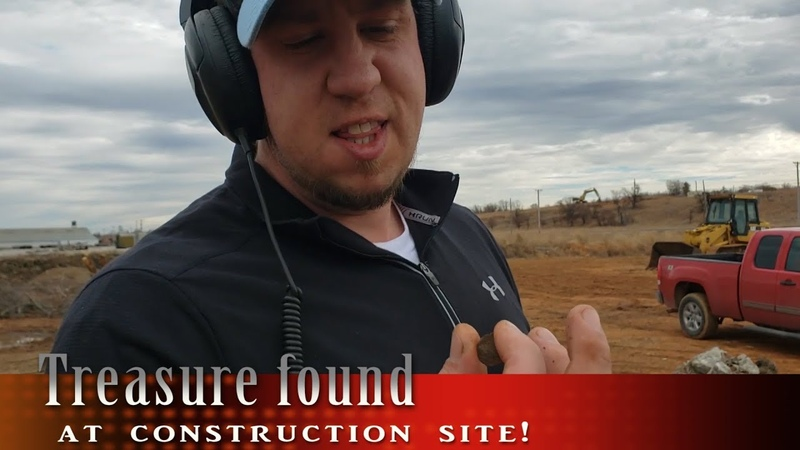 Treasure hunting with a Metal Detector and score big at a construction site!