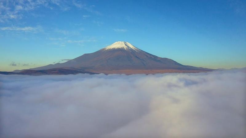 [ 4K UHD ] 絶景空撮秋の富士山(雲海と紅葉) Mt.FUJI in AutumnAerial Drone Footage