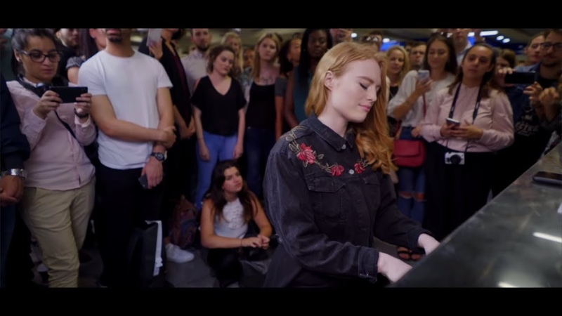 Freya Ridings Lost Without You Live at Tottenham Court Road Underground Station
