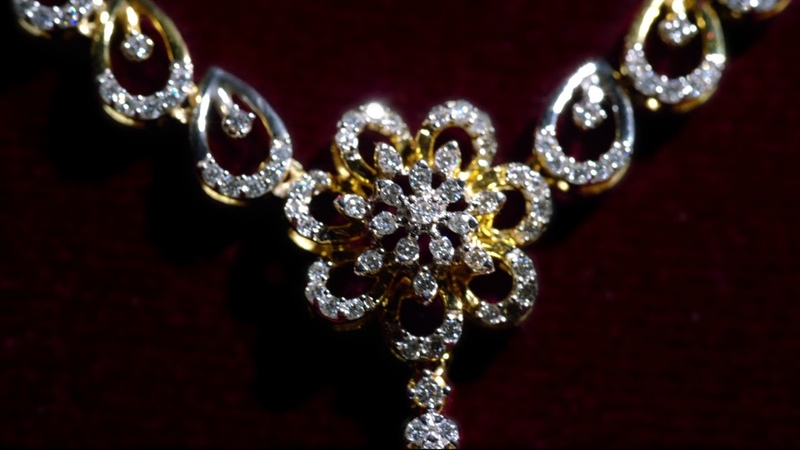 GRT Jewellers Presents The New Stunning Diamond Necklace @Just Rs.99,900