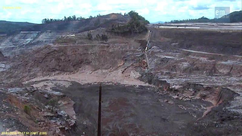 Momento do novo incidente na barragem de rejeitos da Samarco