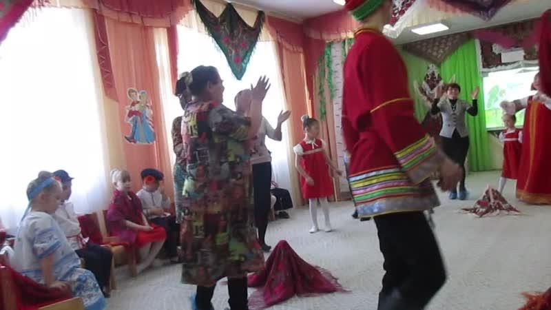 Праздник русского платка в 112 детском саду г. Омска, 19.04.19_4016