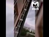В Самаре пьяный подросток сорвался с балкона на 11-м этаже. ХАЙП100%