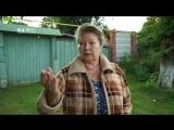 У пенсионерки сгорел дом, и теперь она работает, чтобы отстроить новый