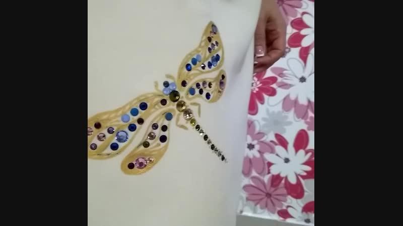 Золотая росписьодежды стрекоза и выкладка камнями pugovka 21 ZEFIRKA style ladystyle swarovski