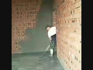 У меня также походу квартиру штукатурили, все стены кривущие были#128518;