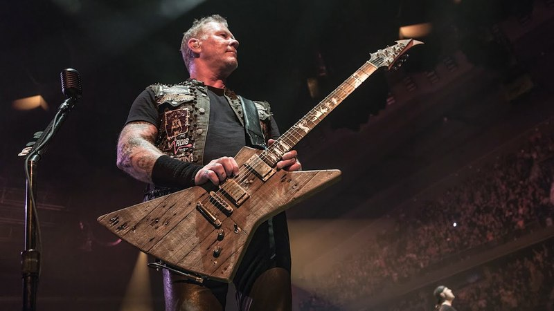 Metallica: James Hetfield New Guitar From The