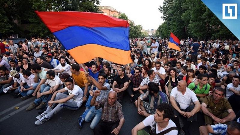 Столкновение митингующих и полиции в Армении