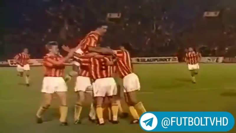 O'zbek futbolining afsonaviy futbolchisi 🇺🇿 Mirjalol Qosimovning 🛑 Liverpul darvozasiga jarimadan urgan ajoyib golini tomosha