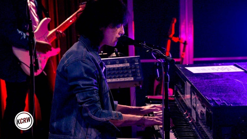 Charlotte Gainsbourg performing Heaven Can Wait live on KCRW