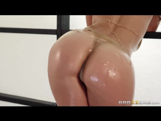 Kelsi Gets Down Free Video With Kelsi Monroe - Brazzers Official