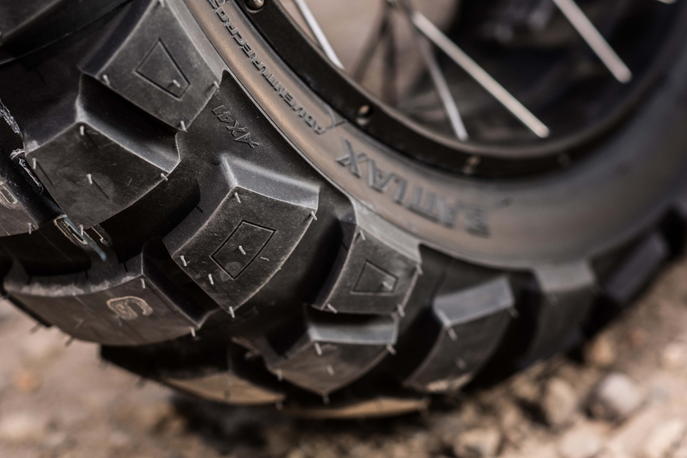 Новая моторезина Bridgestone Battlax Adventurecross AX4 для турэндуро