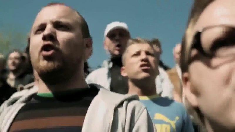 Deutsche Hooligans singen Ein bisschen Frieden neindankeweltkrieg3