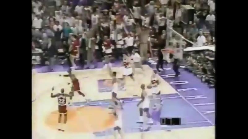 1/4 финала баззер Марио Элие в матче Хьюстон Рокетс против Финикс Санз (13 мая 1995 года)