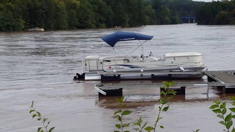 Another pontoon going through the dam