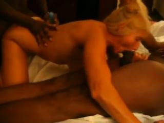 Фото секс как отдать жену на свинг пальцем клитору оргазм
