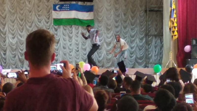 Справжні афро українці отримали дипломи, вітаємо зі святом