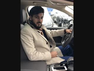 Предприниматель Эльнур Гусейнов прошел тест-драйв Нового Volkswagen Touareg