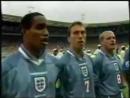 Весь стадион поет гимн сборной Англии на Евро-96