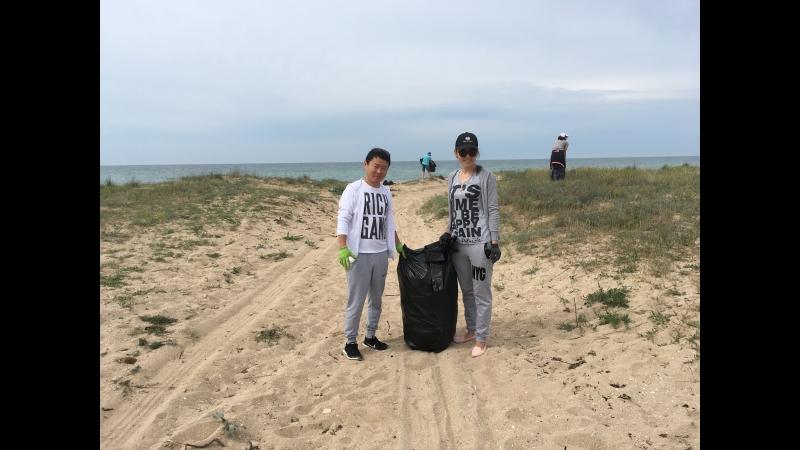 В Крыму началась массовая уборка пляжей_Село Молочное_Сакский район - 19 мая 2018 г.