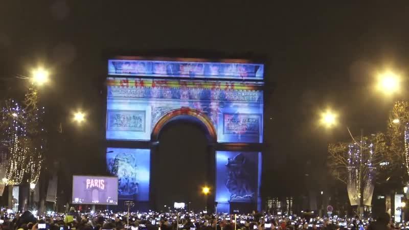 Feu d'Artifice du Nouvel An Paris France 31 Décembre 2016