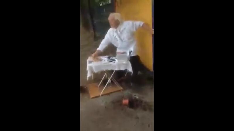 В Тольятти женщина разгромила прилавок пенсионерки-конкурентки, продающей кукурузу