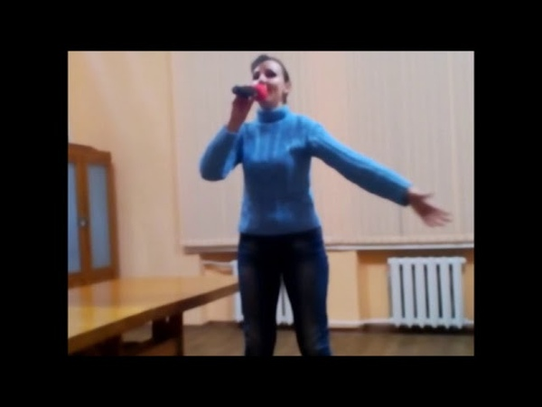 Співає солістка Народного вокального ансамблю Океаночка, Миколаївського Палацу культури Корабельний