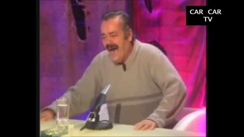 Испанец смотрит обращение президента. и ржёт. Сколько много лапшы. Обзор иностранца.