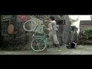 Джеки Чан на вело