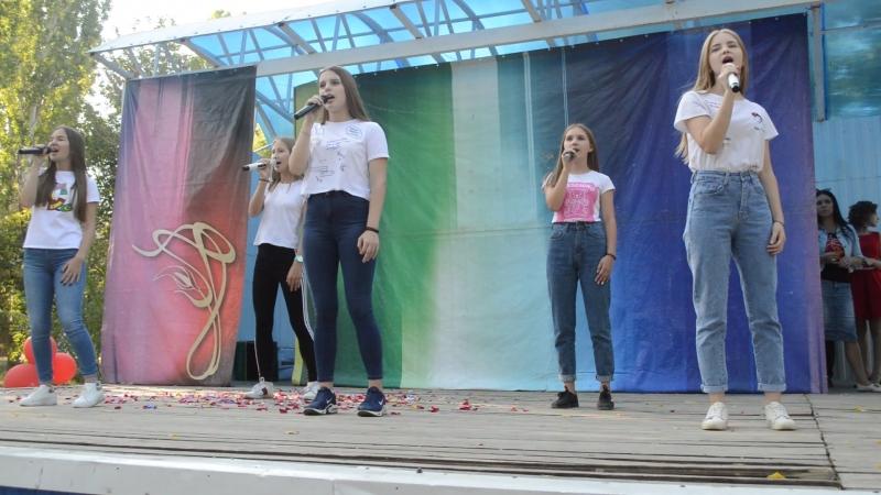 Танцы под фонарём группа Частный Визит рук О Костенко