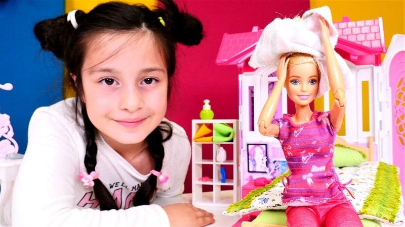 Barbie saçlarını kurutmadan yatıp baş ağrısına yol açıyor