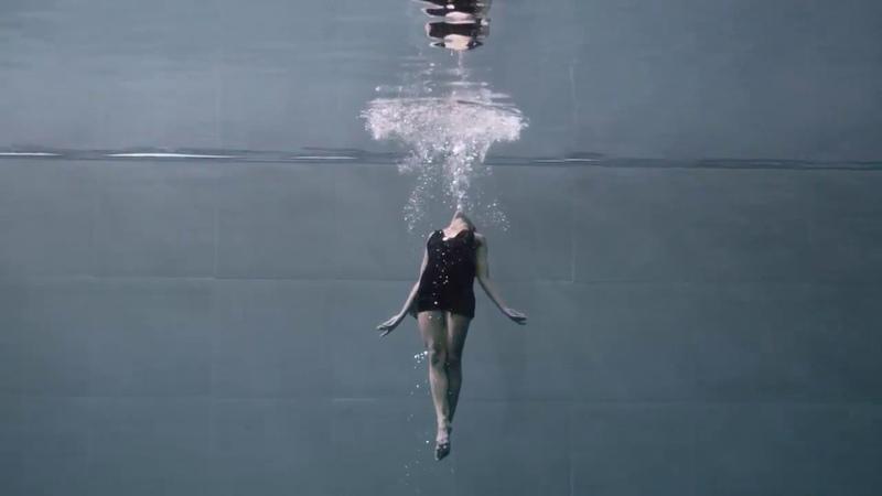 Подводная хореография исполняется в самом глубоком бассейне мира Джули Готье