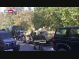 К колледжу Керчи подъехали несколько БТРов и военные с автоматами.