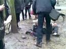 Мужик ёбнул с ноги школьнику во время драки! (В конце)