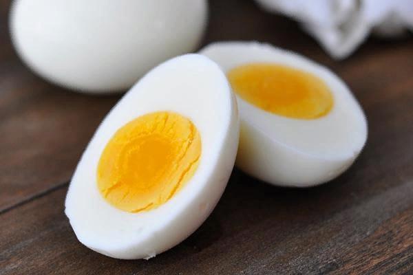 Сколько можно яиц съесть натощак без вреда для здоровья Для того чтобы ответить на вопрос о том, сколько можно яиц съедать натощак, нужно сначала понять, какую пользу и какой вред нашему