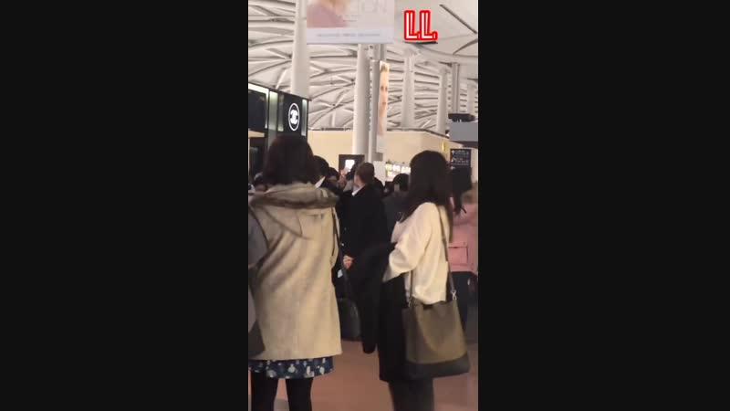 21.01.2019 - Юнхо в аэропорту Кансай (Осака). TVXQ возвращаются в Сеул из Японии.