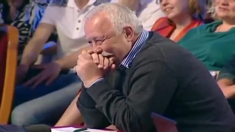 Жена пришла со встречи выпускников)