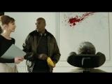 У чувака кровь пошла из носа и он просит тридцатку - Неприкасаемые (2011) отрывок сцена момент