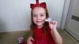 Вика распаковывает ОЧЕНЬ РЕДКИЕ шары и сюрпризы ЛОЛ куколок подарки на Новый год от Деда мороза