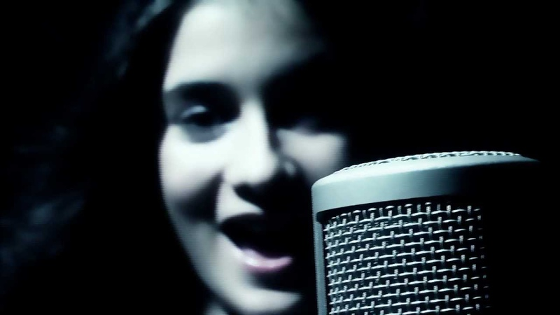 Andrada Popa-Rolling in the deep(Cover Adele)